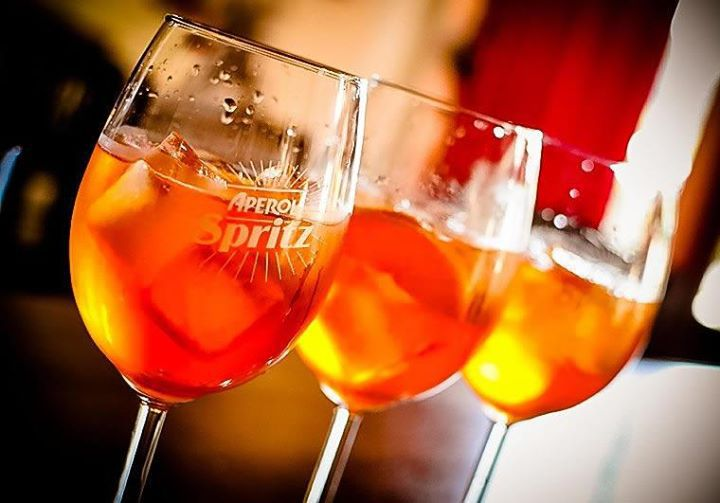 aperol spritz, venecia, bebida,