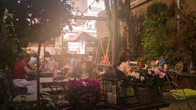 El Jardin Secreto Salon De Te Y Oasis En Pleno Centro De Madrid